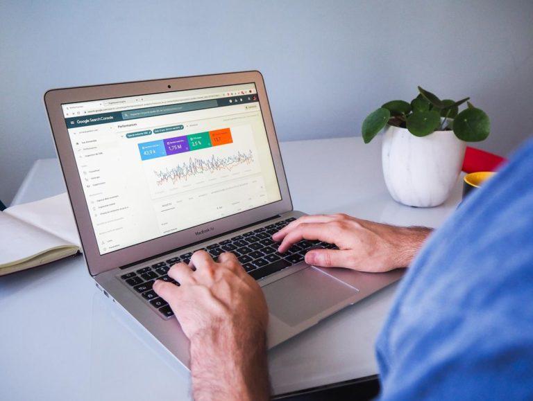 Działania SEO są ważne dla powodzenia i sukcesu firm oraz stron w sieci