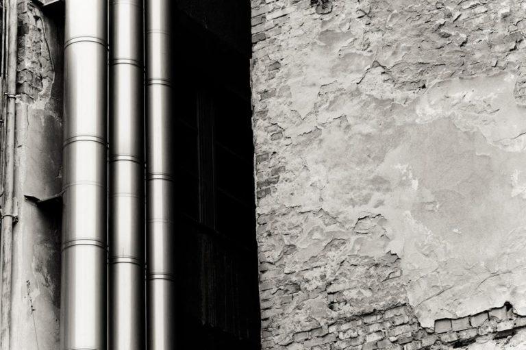 Skuteczne systemy wentylacyjne dla budynków biurowych i domów jednorodzinnych