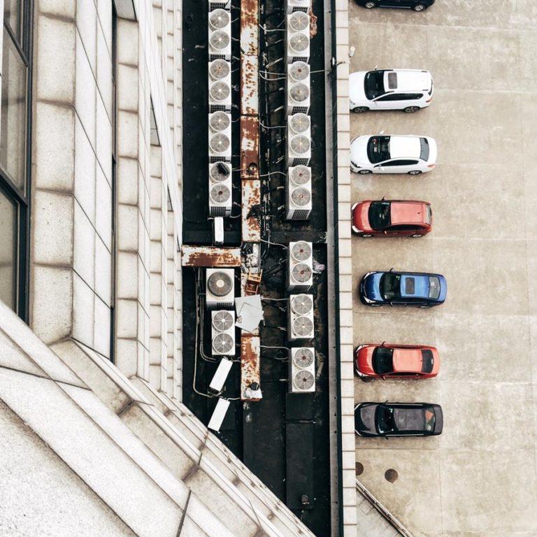 Jakie są kwoty OC dla młodych kierowców?
